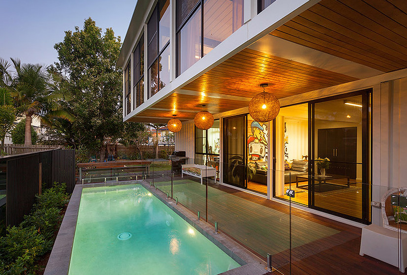 residence built out of shipping containers8
