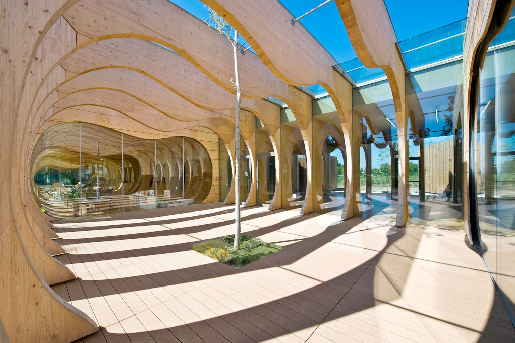 Made of wood and glass, the new public nursery school in Guastalla designed by Mario Cucinella is an example of environmentally friendly designThe entrance hall of the new Guastalla nursery school. Photo by Moreno Maggi